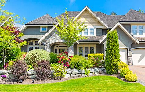 Aménager la façade d\'une maison | AmenagementPaysager.ca